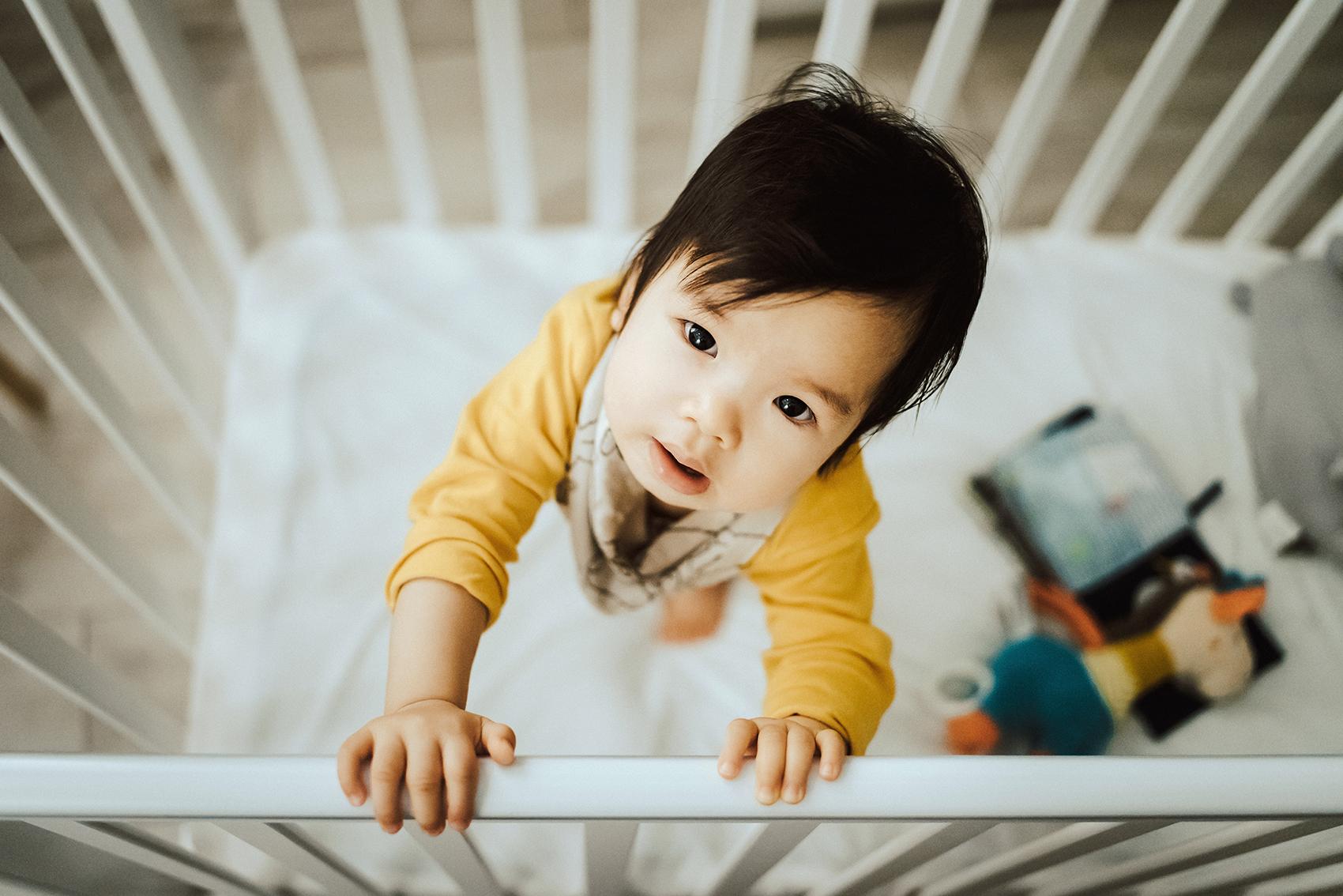 6 Fehler, die Eltern machen, wenn sie ihr Kind schlafen legen