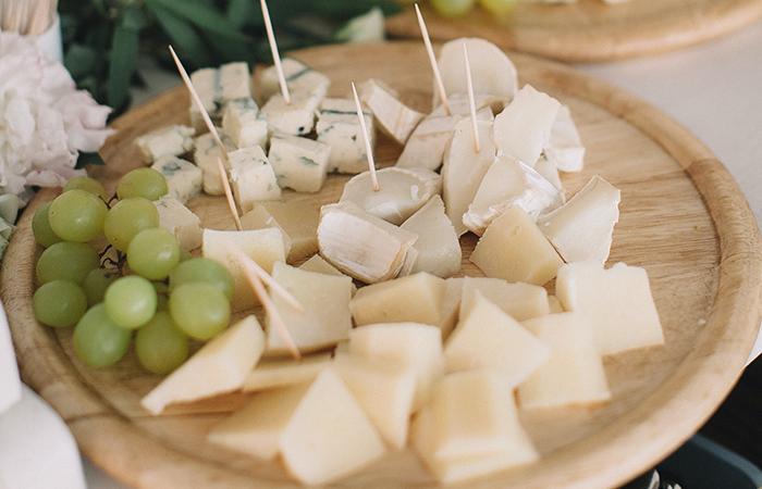 Vor dem Käsegenuss immer prüfen, ob der Käse aus Rohmilch hergestellt ist. Bild: Pexels